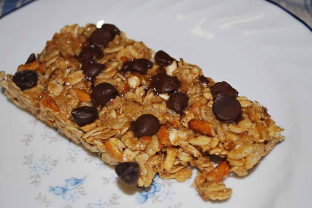 granola bar_bite