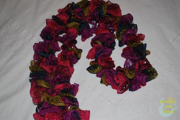 Twisty-style sashay scarf