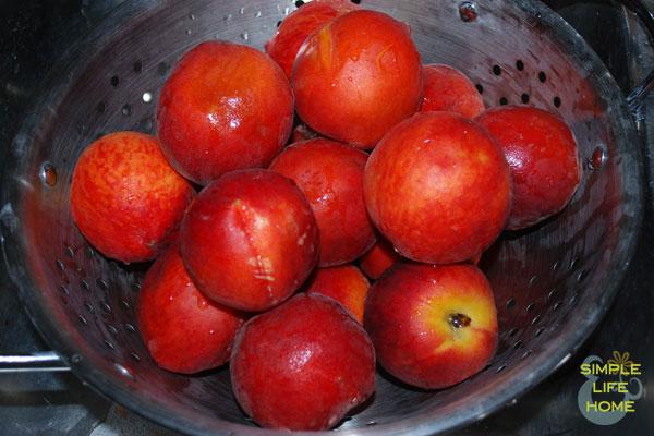 wash-and-drain-peaches